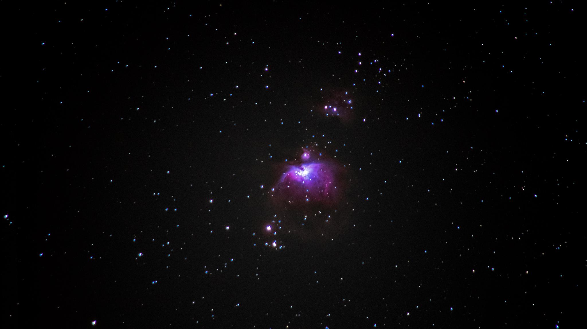 Oriono ūkas (M42, M43) ir Bėgančio žmogaus ūkas (NGC 1973/5/7).